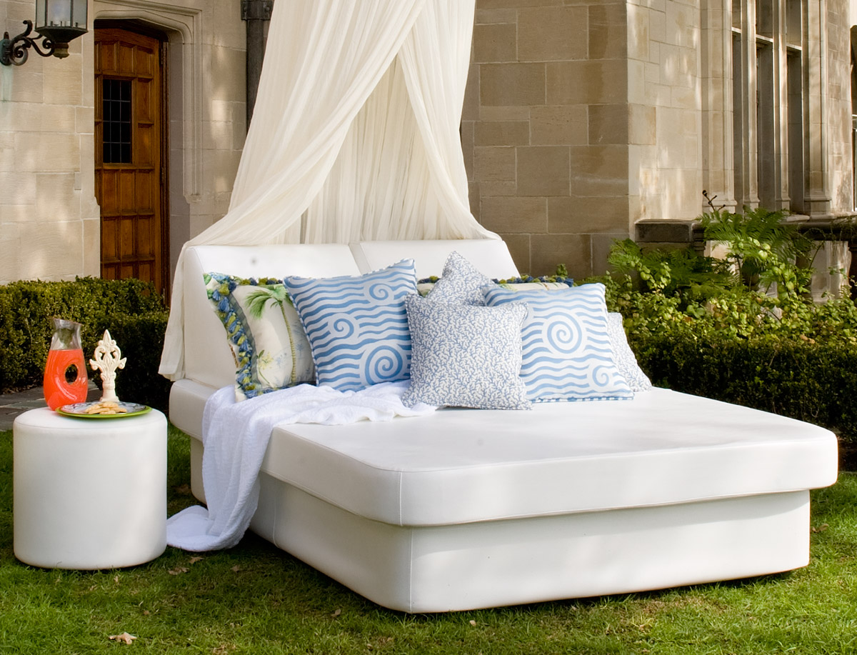 aether queen sized daybed patio productions. Black Bedroom Furniture Sets. Home Design Ideas