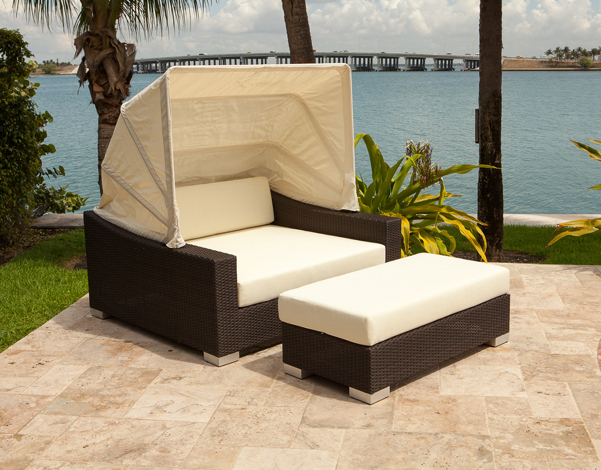 King Daybed Patio Productions