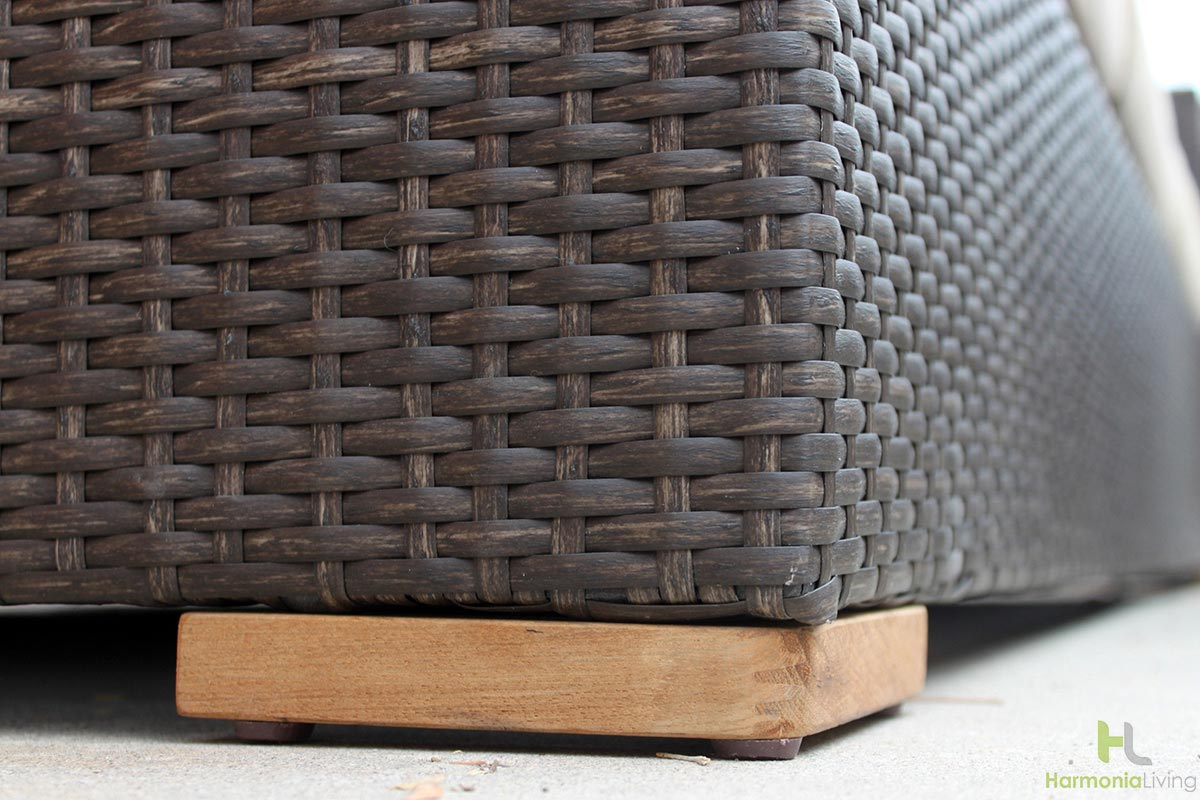 Chestnut Wicker with Teak Feet