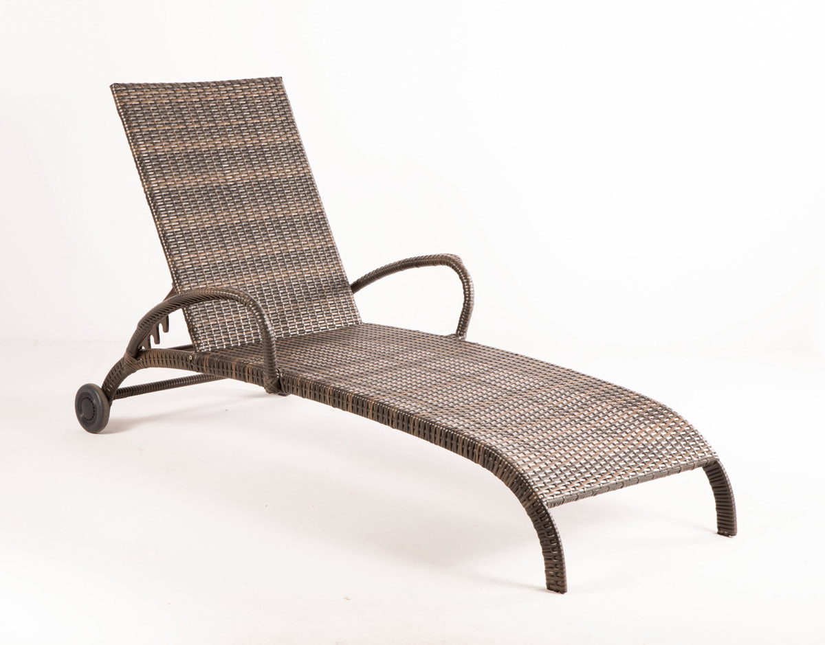 Tutto wicker chaise lounge set 43 1311 patio productions for Cane chaise lounge